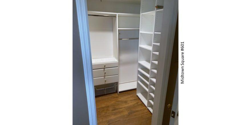 Midtown-Square_Unit-601_BR-2-Closet_1600x900