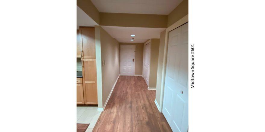 Midtown-Square_Unit-601_Hallway-2_1600x900