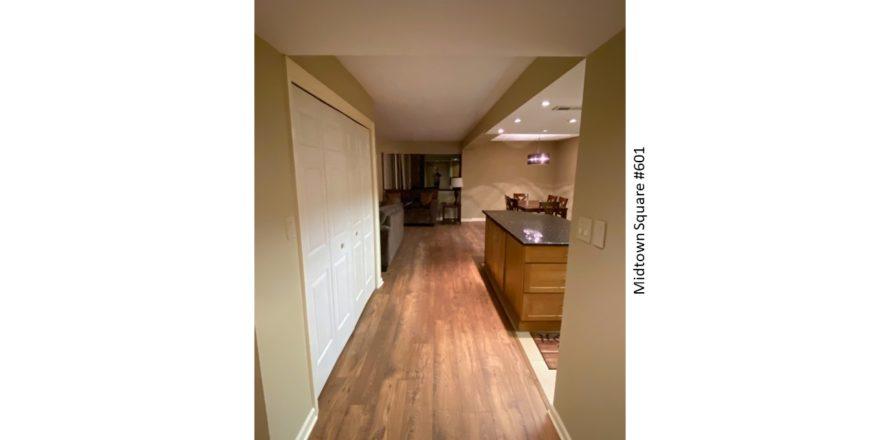 Midtown-Square_Unit-601_Hallway-3_1600x900