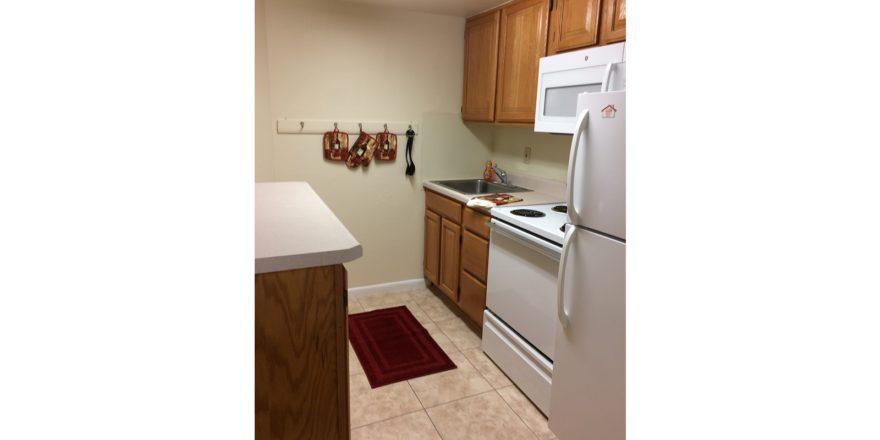 Fairmount Hills 1 bedroom model kitchen